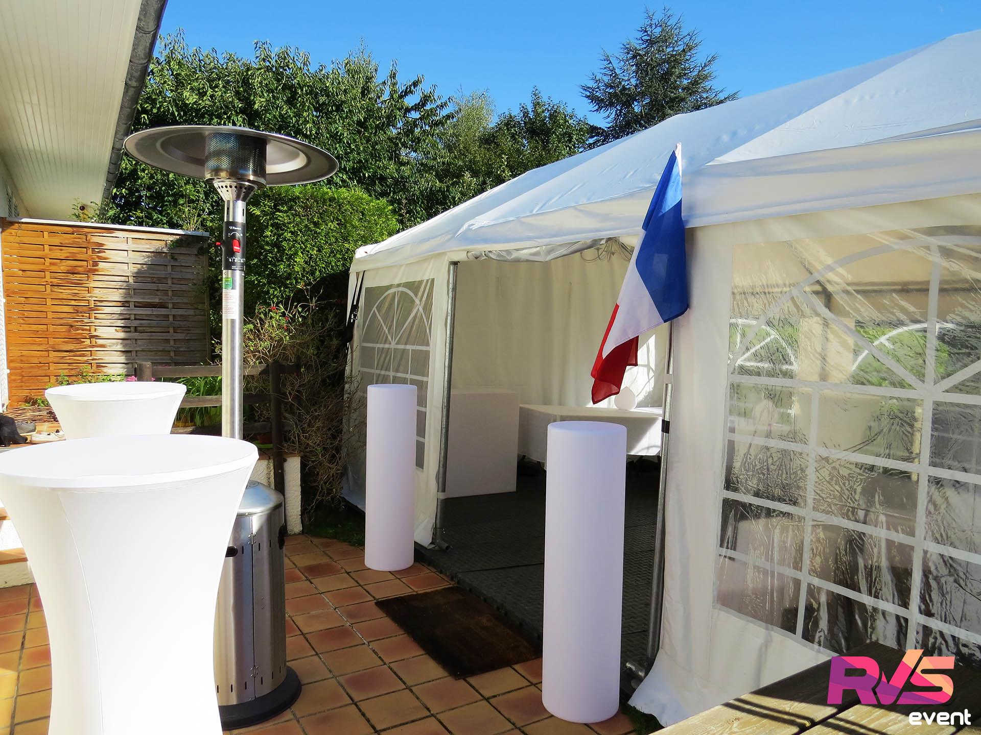 Location d 39 un barnum dans un petit jardin soir e match - Location parasol chauffant ...