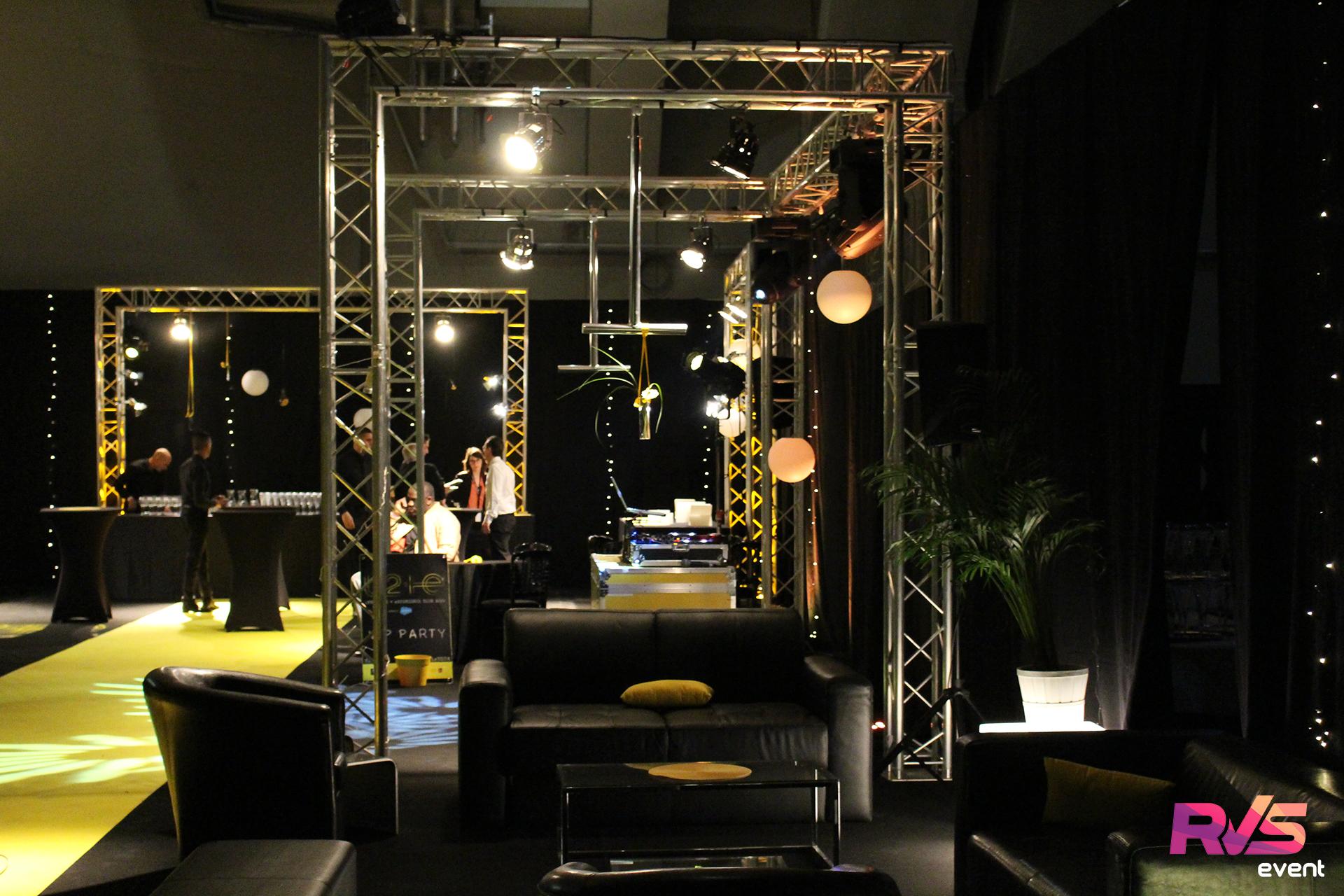 r alisation d coration de salon salon vip bercy pour u2. Black Bedroom Furniture Sets. Home Design Ideas