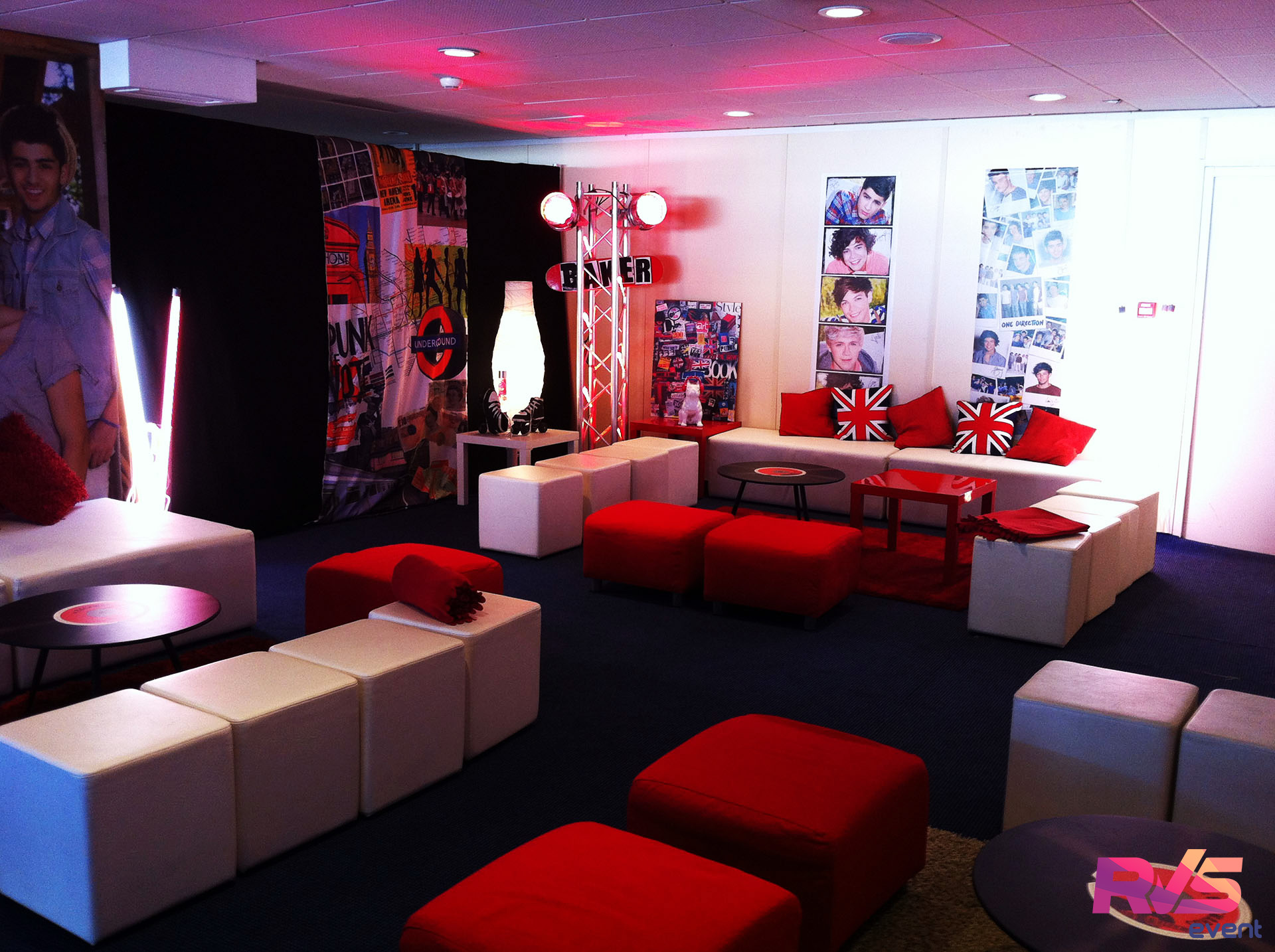 location mobilier lounge salon vip one direction sdf