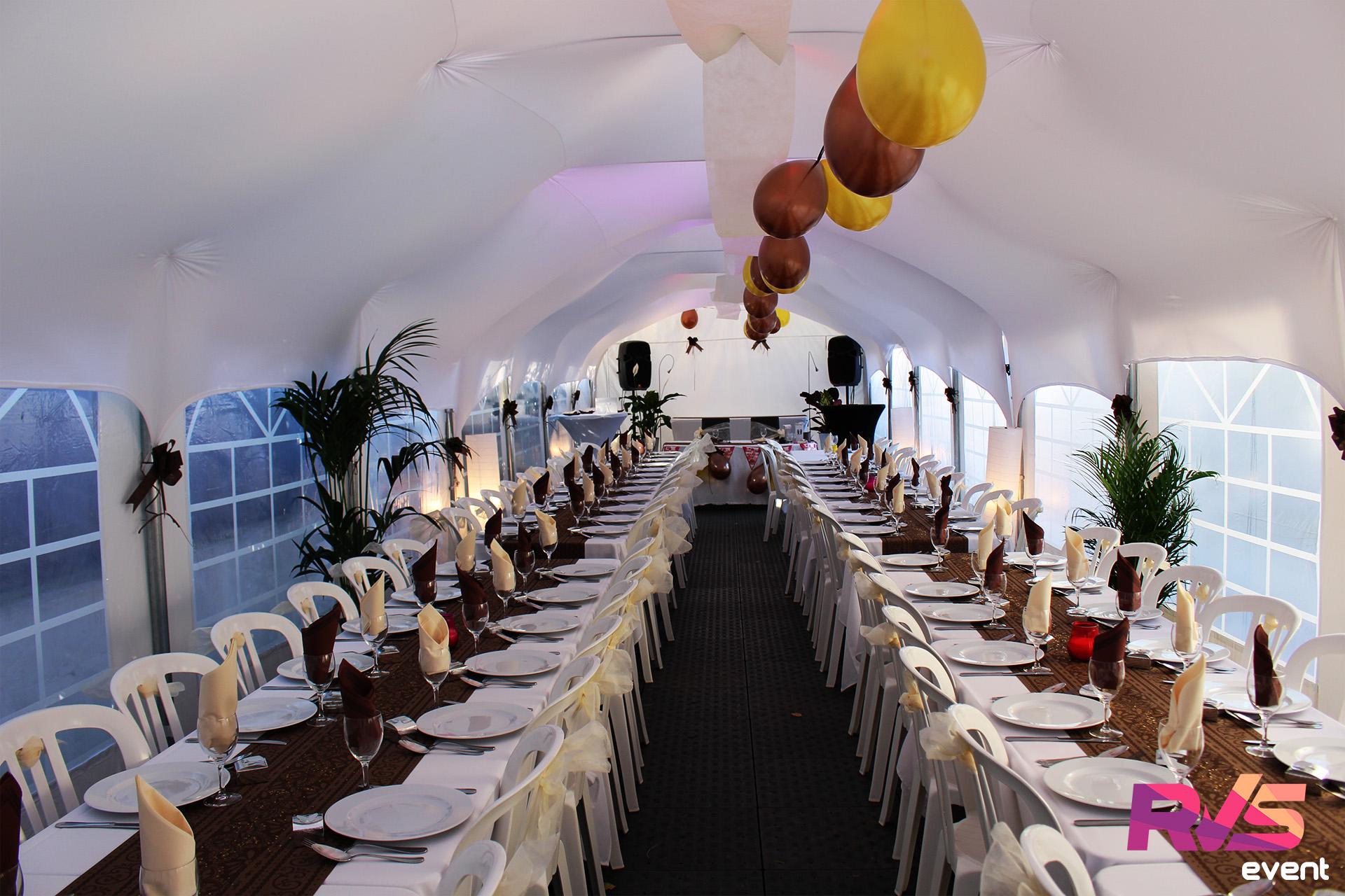 Mariage sous tente de r ception location rvs event for Decoration en france