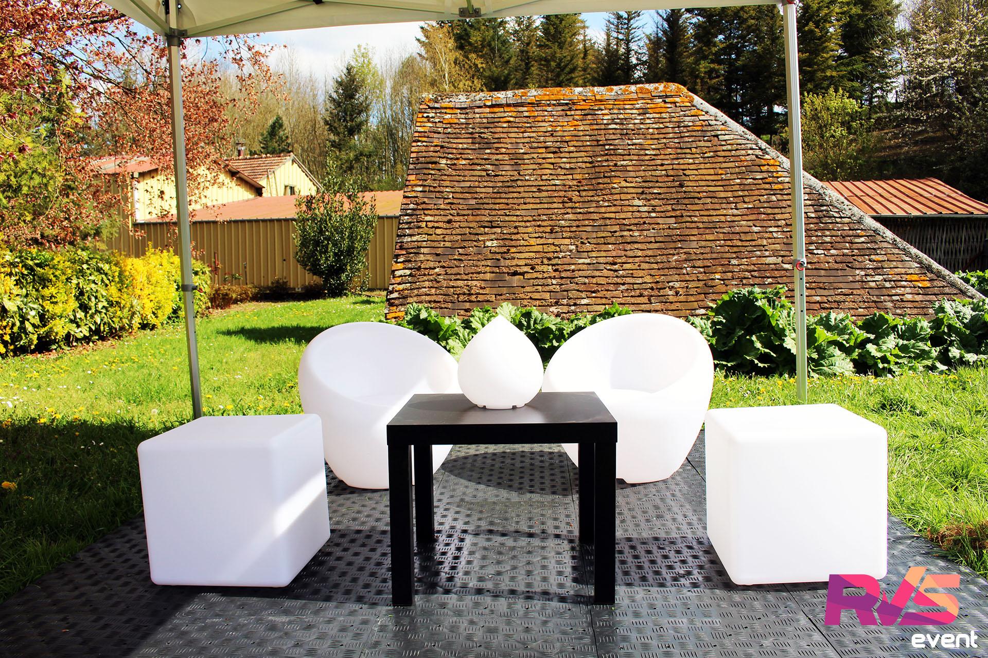 Cubes lumineux & Fauteuils lumineux & Tables & Boules lumineuses & Gouttes lumineuses & Sol PVC - RVS Event