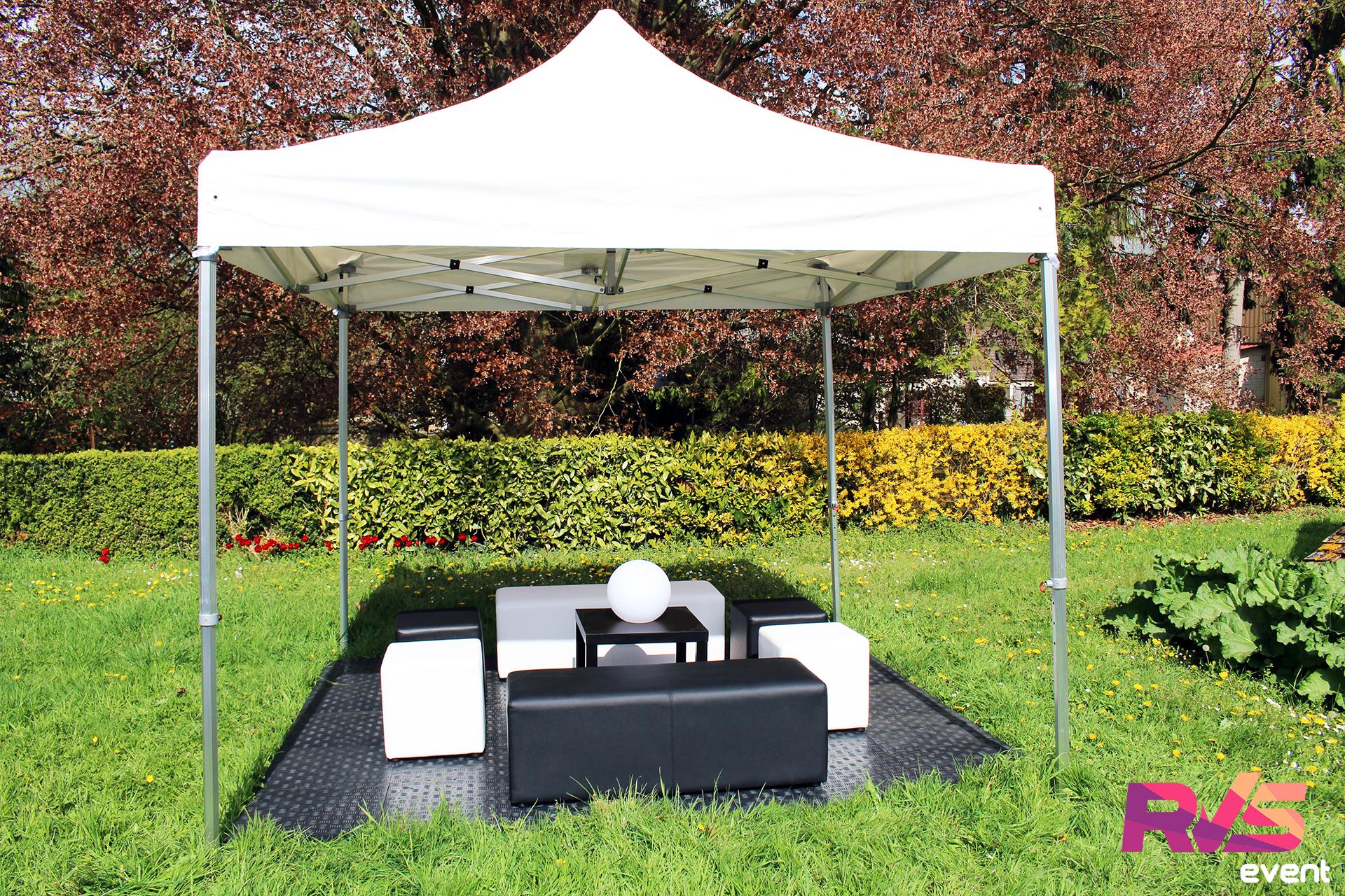 Location de tente 3x3 + banquettes + poufs - RVS Event